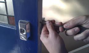 Arreglo de cerraduras 1 - Cerrajeros Churriana de la Vega