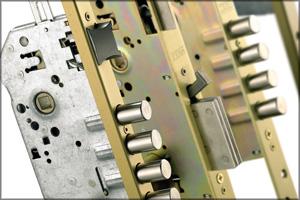 cerraduras 2 - Cerrajeros Escúzar